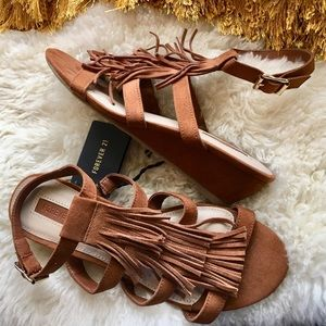 Low wedge chestnut color new with tags